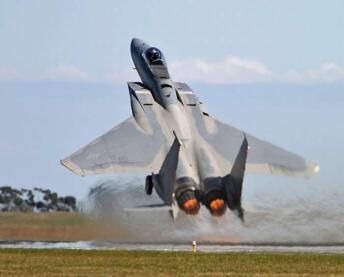 f-15_eagle_short_takeoff_in_afterburner